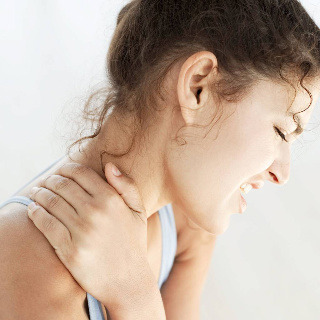 Suffering neck pain when you wake up every morning? North London Chiropractor Dylan Paydar shares some advice